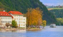 Ogledali si boste Salzburg, šli v Nemčijo, v Passau, se vkrcali na ladjo in pluli po Donavi do Linza.  2 dni, 155 EUR.