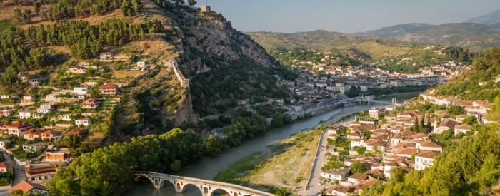 Popotovanje po zgodovinskih mestih Albanije. Tirana, Drač, Berat in Kruja.  Letalo, 4 dni, od 468 EUR.