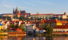 V Pragi se boste najprej odpravili v Hradčane... ne bo vam ušlo tudi mini križarjenje po Vltavi. 2 dni, 156 EUR.