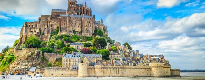Pot vas bo vodila preko Alzacije in Šampanje do Normandije. Ogledali si boste Reims, Mont St. Michael, Malo ... Avtobus, 6 dni, 462 EUR.