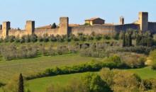 Podajte se na izlet po »biserih«  Toskane. Navdušili vas bodo številni vinogradi, zgodovinska mesteca, samostani na vrhu gričev....3 dni, 198 EUR (polpenzion).