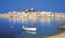 Najlepši narodni parki  Hrvaške. Šestnajst prekrasnih modrozelenih jezer, ki so med seboj povezana s slapovi in brzicami, Kornatsko otočje, slapovi reke Krke...