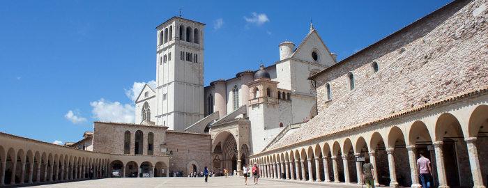 V osrčju Italije, odrezana od morja, leži Umbrija, dežela znana kot zeleno in mistično srce italije.  3 dni, 218 EUR (polpenzion).
