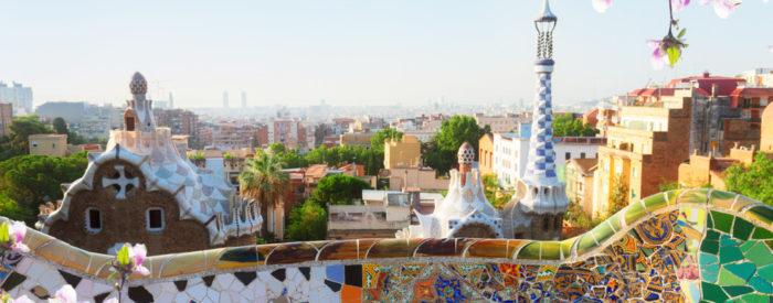Svetovljansko mesto z nezgrešljivo Gaudijjevo arhitekturo, vedno živahno ulico 'Ramblo'... Letalo, 4 dni, 515 EUR.