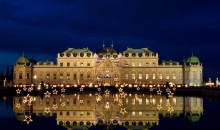 Dvorec Belvedere, kompleks znanega Hundertwasserja, znamenita dunajska opera, Mestni park, Hofburg, Parlament, Mestna hiša, Borza, Urania.
