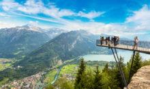 Švica, dežela gora in tisočerih jezer. Bogastvo in blaginja se tu prepletata s prekrasno naravo, redom in urejenostjo, tako značilno za to državo.