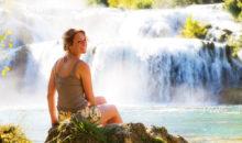 Najlepši narodni parki  Hrvaške. Šestnajst prekrasnih jezer, ki so med seboj povezana s slapovi in brzicami, Kornatsko otočje, slapovi reke Krke...3 dni, 195 EUR (polpenzion, ribji piknik, vstopnine).
