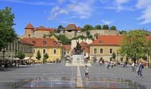 Privlačni Szentendre, vedno zanimiv in baročni Eger, polotok Tihany ob Blatnem jezeru in Budimpešta, ena izmed evropskih prestolnic ob prelepi modri Donavi. 3 dni, 155 EUR.