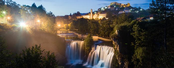 Prepustite se prijetni vožnji mimo Olimpijskega mesta, vezirskega Travnika in  Jajca do  Banja Luke, kjer nas čaka pokušina tradicionalnih...2 dni, 128 EUR (večerja vključena).