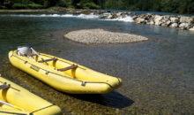 Spusti z raftom so najbolj priljubljena oblika čolnarjenja po Kolpi. Vožnja skozi jezove z raftom so posebno doživetje, ki ga bo obvladal veslač...