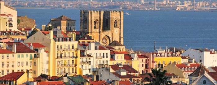 Porto, Coimbra, Fatima, Lizbona, vsako mesto s svojim posebnim čarom, potem še skok na atlantsko obalo...