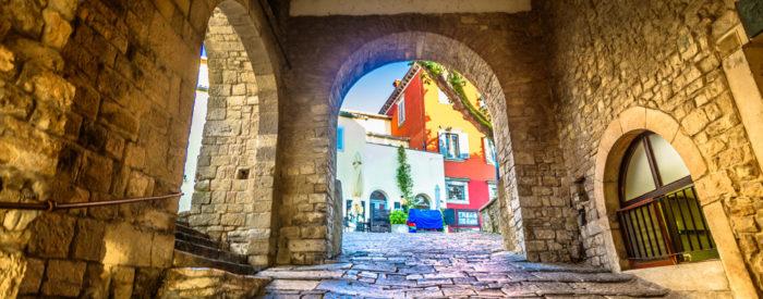Degustirali bomo tradicionalne jedi z notranjosti Istre. Pokusili bomo vrhunska vina, ki so preplet tradicije in sodobnega,...2 dni, 136 EUR.