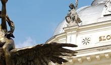 Poleg tega je Slovaška tudi najmlajša država v Evropi in Bratislava tako najmlajša prestolnica. Mesto je polno pozitivne energije in življenja. Zanimiva okolica z gradom Devin na sotočju temne Morave in svetlejše Donave ter Mali Karpati porasli z vinsko trto in gozdovi, so priljubljene izletniške točke.