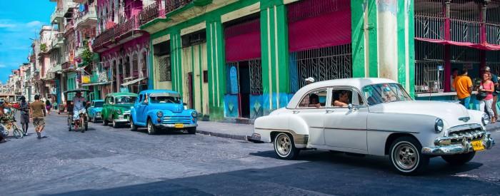Živahna prestolnica Havana, kolonialna mesta s pridihom socializma, tobačna polja, oddih ob morju ...Castro, Che Guevara, Hemingway - 11 dni.