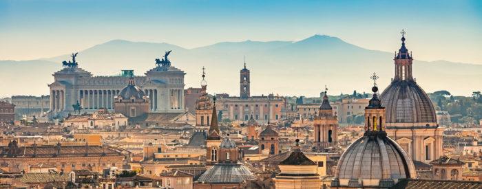 Večno mesto Rim, slikoviti Neapeljski zaliv z Vezuvom in Pomeji. Avtobus, 4 dni, 195 EUR.