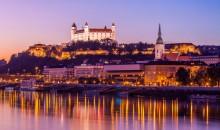 Naj bo silvestrovanje nepozaben spomin na Bratislavo ali pa obratno. Avtobus, 3 dni, 139 EUR.
