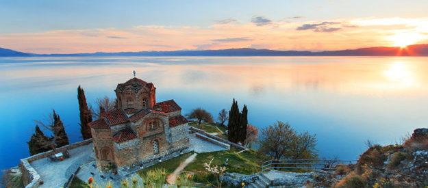 Makedonija z izjemno naravno lepoto vas pričakuje, ne bo vam žal, če jo obiščete. Letalo, 4 dni, 8.6.2018, od 439 EUR