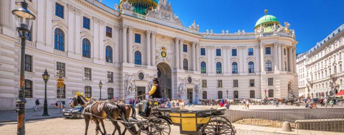 Po avstrijski Štajerski mimo Gradca in Hartberga  do Dunaja. Sledi ogled mestnih znamenitosti s krožno vožnjo po mestu. 92 EUR.