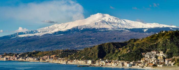 Lepote Sicilije in v povratku še ogled Neaplja in Pompejev.